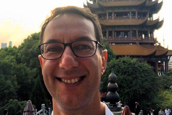 """Lorenzo, l'italiano a Wuhan racconta il ritorno alla vita: """"Così la Cina è ripartita ma con l'obbligo dell'App"""""""