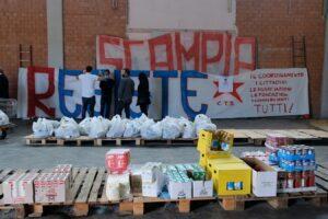 """Scampia risponde alle Iene: """"Qui non c'è né la camorra né lo Stato, ci aiutiamo da soli"""""""