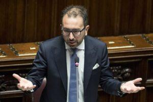 Bonafede, il ministro che calpesta il diritto alla difesa dei poveri