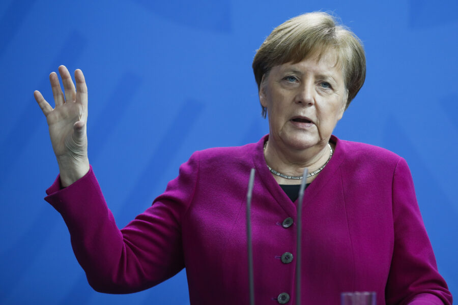 Al via il semestre a guida Merkel, speranza per l'Europa