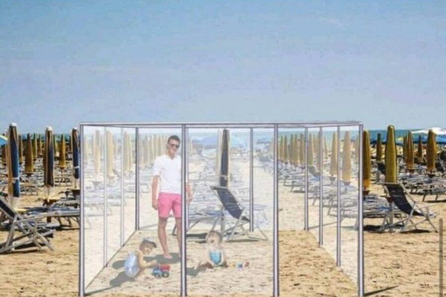 Coronavirus, ombrelloni divisi da box in plexiglass: ecco la proposta per le spiagge