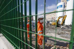 Fase 2, dal 4 maggio a lavoro 2,7 milioni di persone: restano limitazioni agli spostamenti