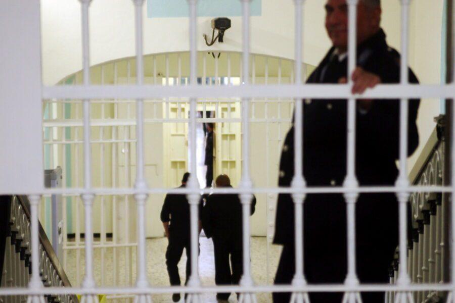 Detenuti trasferiti senza controllo, virus diffuso in tutte le carceri d'Italia