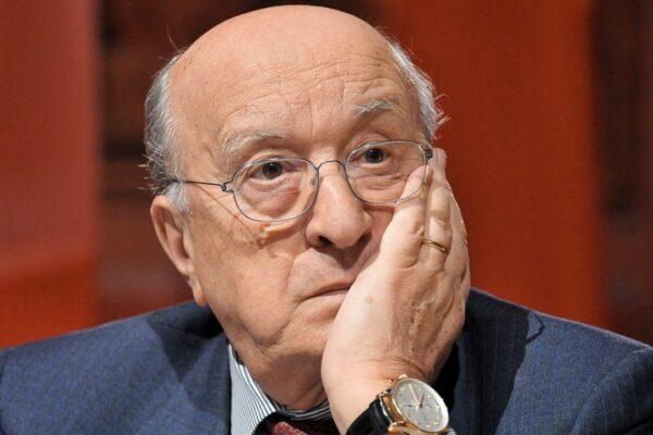 De Mita ricoverato ad Avellino: accertamenti in corso sull'ex presidente del Consiglio