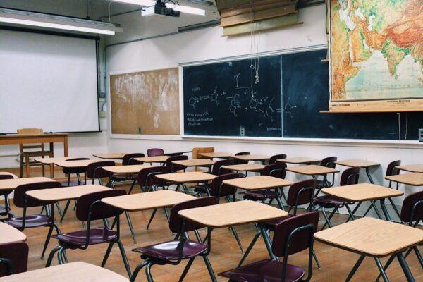 """L'allarme degli educatori: """"Noi fermi quando ce n'è più bisogno e con gli stipendi tagliati"""""""