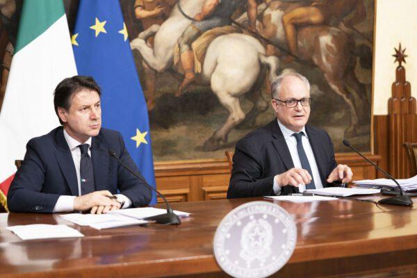 """Conte presenta la manovra da 39 miliardi: """"No a nuove tasse e assegno unico fino a 200 euro al mese per figlio"""""""