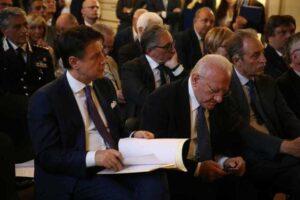 Decisionismo a confronto: Conte furbetto, De Luca lineare