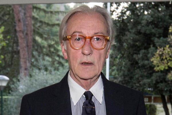 """""""Vittorio Feltri non è più giornalista"""": il direttore di 'Libero' si dimette dall'Ordine"""