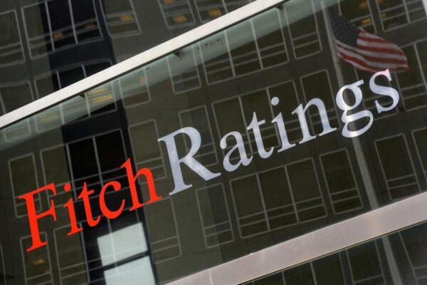 Fitch declassa l'Italia a BBB-, debito un gradino sopra il livello spazzatura