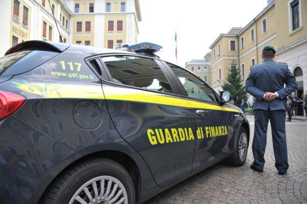 Truffa delle mascherine, arrestato Antonello Ieffi per un appalto Consip da 15 milioni