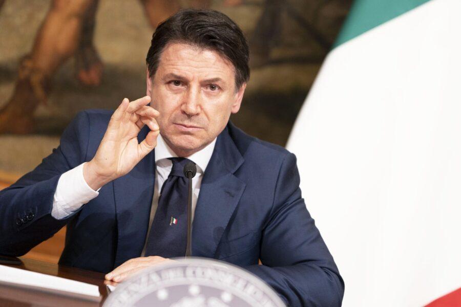 Conte blinda Gualtieri ma litiga col Pd sulla Covid-Tax