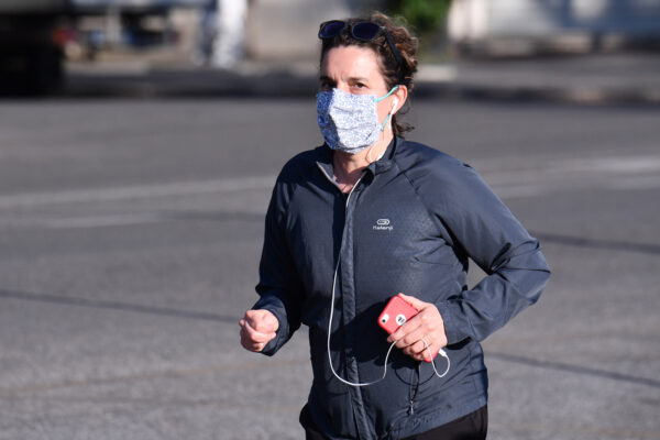 Sport con le mascherine, quali sono i rischi per la salute dei runners