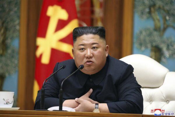 """""""Kim Jong-Un si è vaccinato con un farmaco cinese"""", ma la Nord Corea è ufficialmente covid-free"""