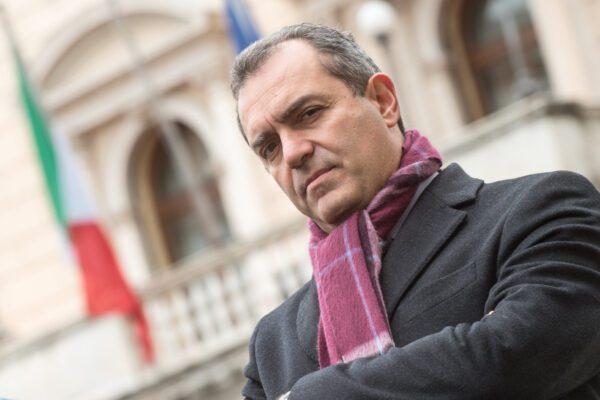 Liquidità dimezzata, nessuna manovra può salvare Napoli