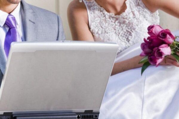 L'amore ai tempi del Coronavirus: sì ai matrimoni in videoconferenza