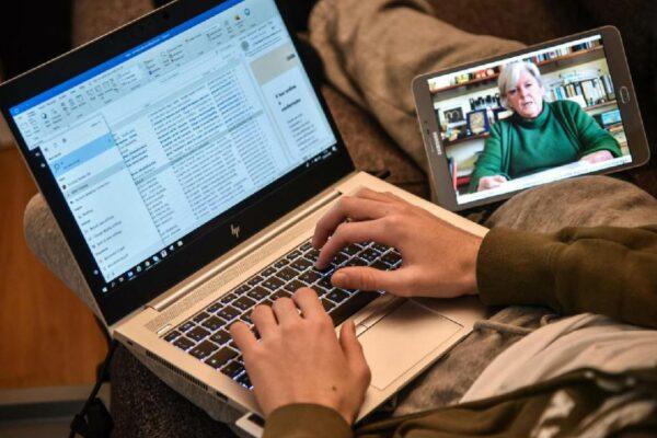 Mattarella firma il decreto scuola: la maturità diventa un colloquio online