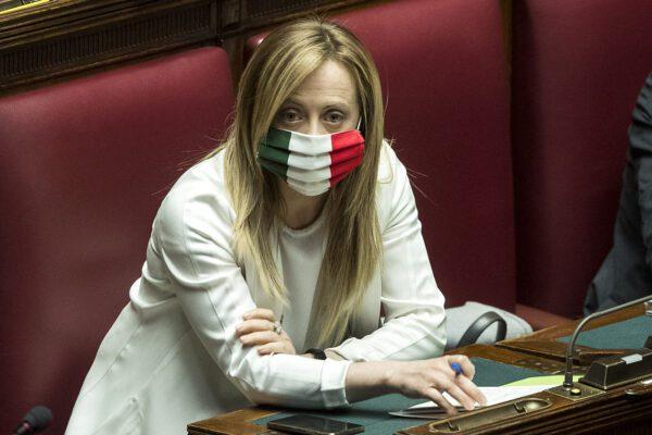 Mascherine senza Iva, la giravolta della Meloni sulla proposta di Fratelli d'Italia al governo