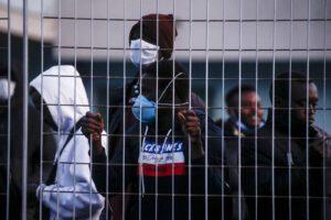 """L'appello di Bellanova: """"Regolarizzare i migranti"""""""