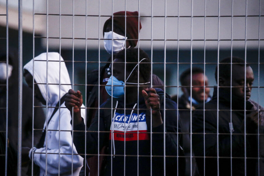 "L'appello di Bellanova: ""Regolarizzare i migranti"""