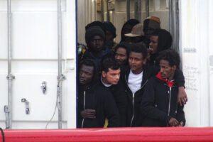 Hotspot di Taranto, enorme violazione della legge e dei diritti umani