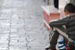 """Governo dimentica minori e disabili, storie di Ciro e Giulia: """"Genitori pusher e madre che sfida i controlli"""""""
