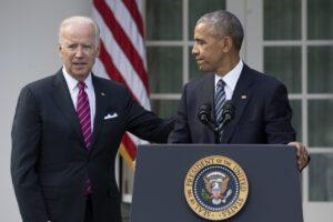 """Elezioni Usa 2020, Obama sostiene Biden: """"Ha l'esperienza per guidarci nei momenti bui"""""""