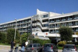Ospedale focolaio a Napoli, paziente infetta almeno 25 persone