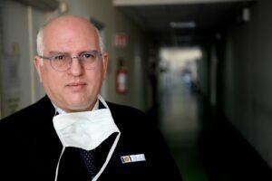 """L'allarme di Paolo Ascierto: """"Ad agosto abbiamo sottovalutato il virus, seguiamo le regole"""""""