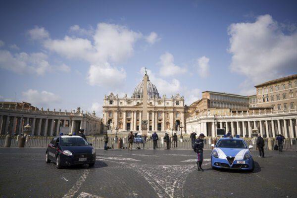 Doppio flop di Forza Nuova, la 'marcia' a piazza San Pietro finisce con le denunce