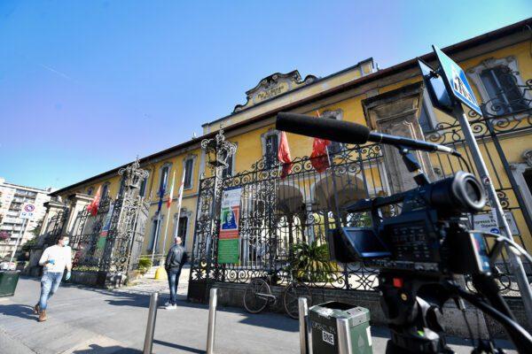 Milano, nuovo focolaio al Pio Albergo Trivulzio: 64 positivi nello staff