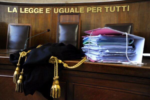 Giustizia lumaca, 18 anni per la prima udienza