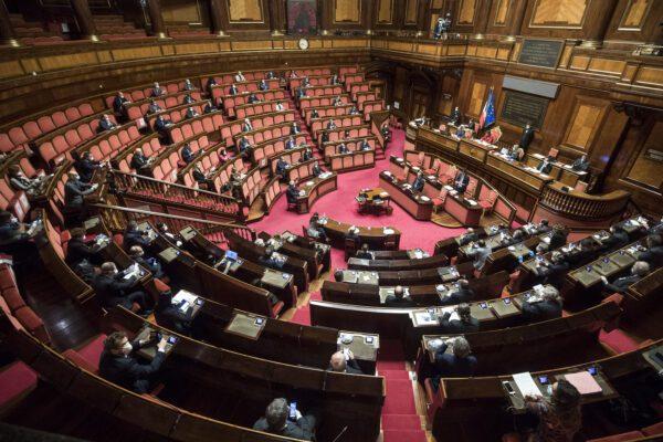 Decreto Sostegni, via libera del Senato: fiducia con 207 sì