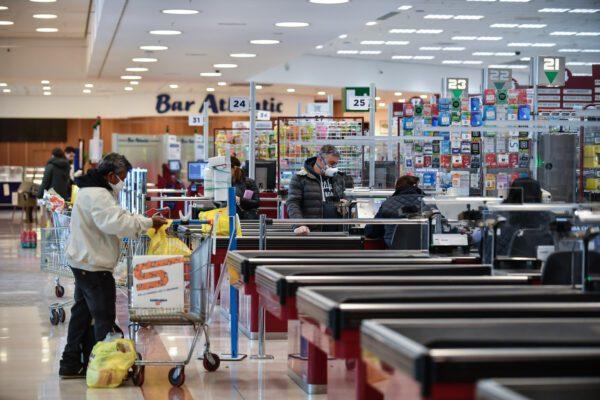 Coronavirus, Viminale prepara stretta sui controlli: ispettori in aziende, supermercati e negozi