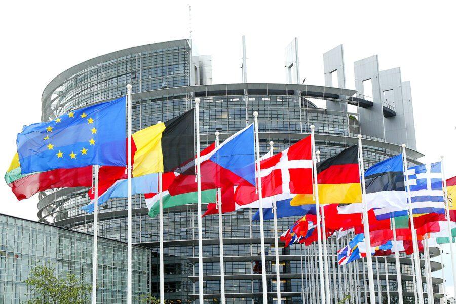 L'Unione Europea è in crisi, o cambia o morirà col virus