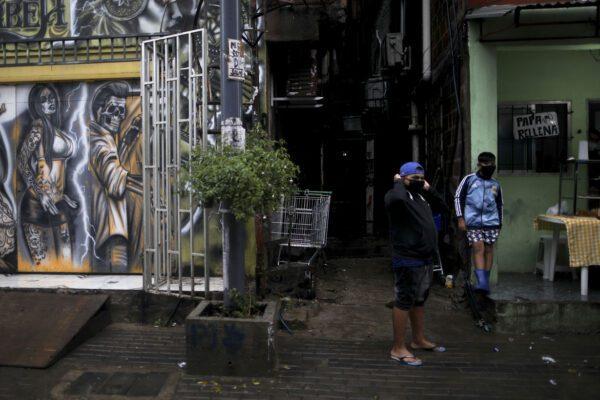 Usa, il virus mette a nudo diseguaglianze socio-sanitarie: è strage tra neri e latini