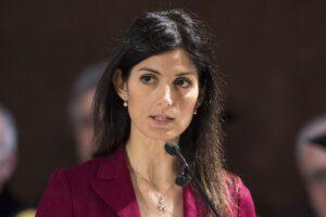 """Roma, Virginia Raggi rilancia: """"Mi ricandido a sindaca, non ci sto ad apparecchiare la tavola"""""""