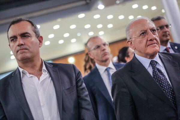 """De Luca sbugiarda de Magistris: """"La Regione ha risposto ma il sindaco ci dica cosa ha fatto"""""""