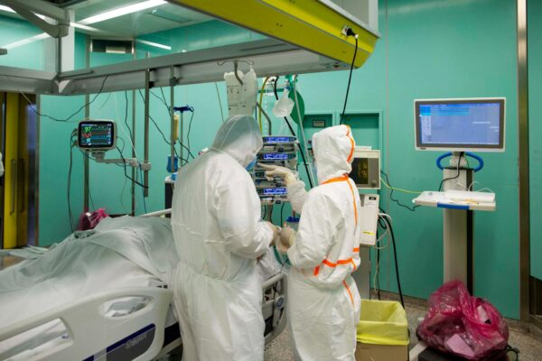 Medici, le scelte comode che affossano la sanità