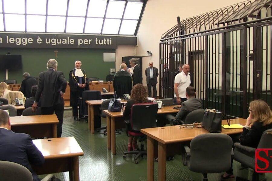 Tribunale di Napoli in un pantano, solo 30 udienze al giorno