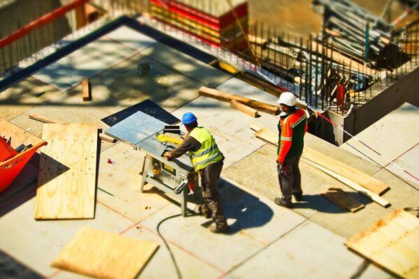 Crisi dell'edilizia, appalti e lavori più rapidi per risollevare il settore