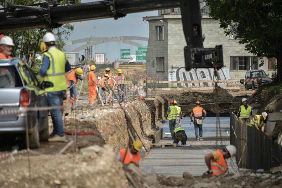 Il circolo vizioso del Comune di Napoli: spende più per i danni che per la manutenzione