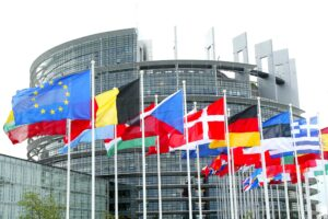 Bond, la Commissione Ue blocca i giudici tedeschi