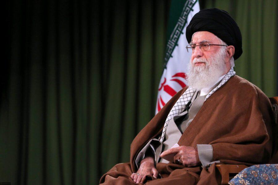 E se fosse un virus a destabilizzare il regime degli ayatollah?