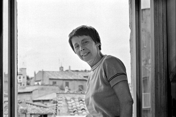 Chi era Amelia Rosselli, la poetessa divorata dal demone della ricerca artistica