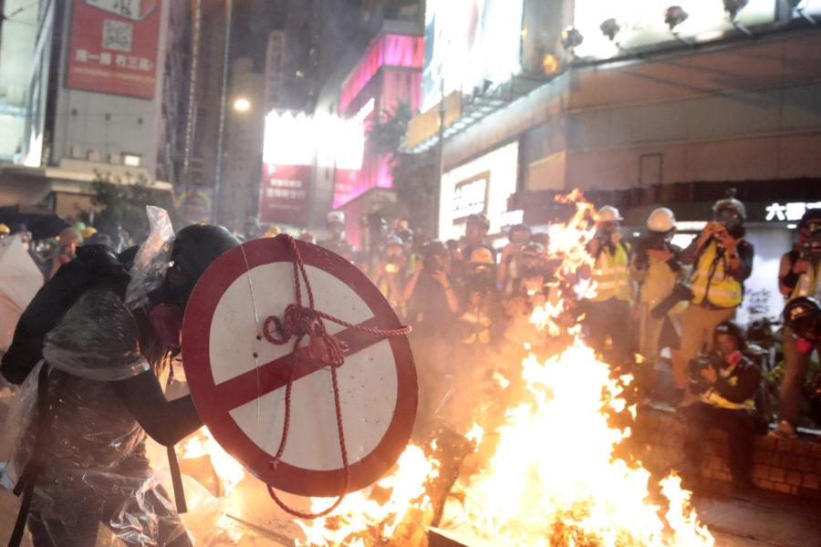 Hong Kong brucia, ma la Cina ha l'impunità e l'Occidente è impotente