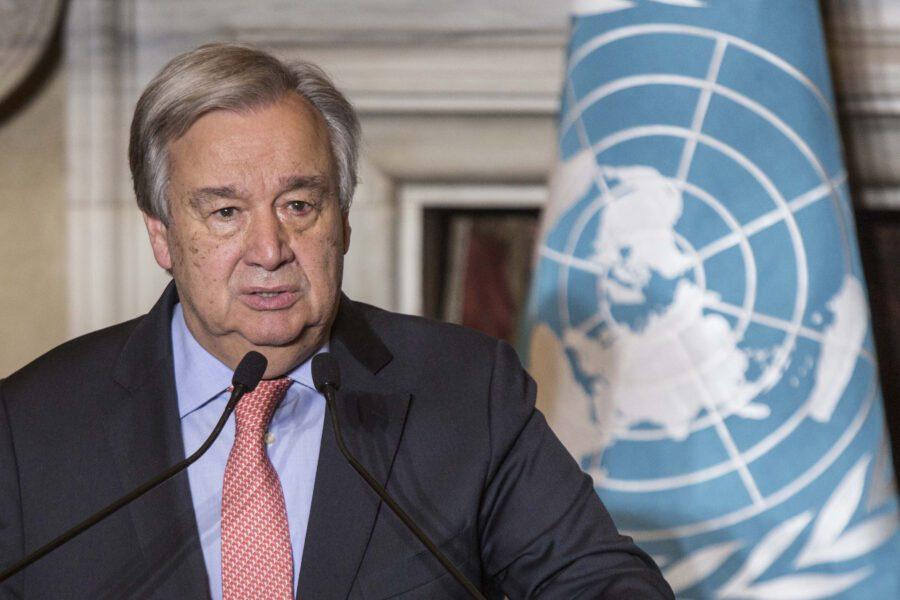 """Guterres: """"La pandemia è uno tsunami di odio e xenofobia. Migranti e rifugiati discriminati"""""""