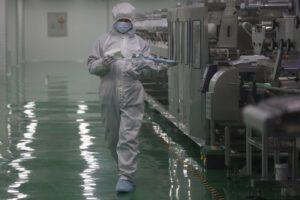 """""""Coronavirus creato in laboratorio a Wuhan"""", gli Usa attaccano la Cina"""