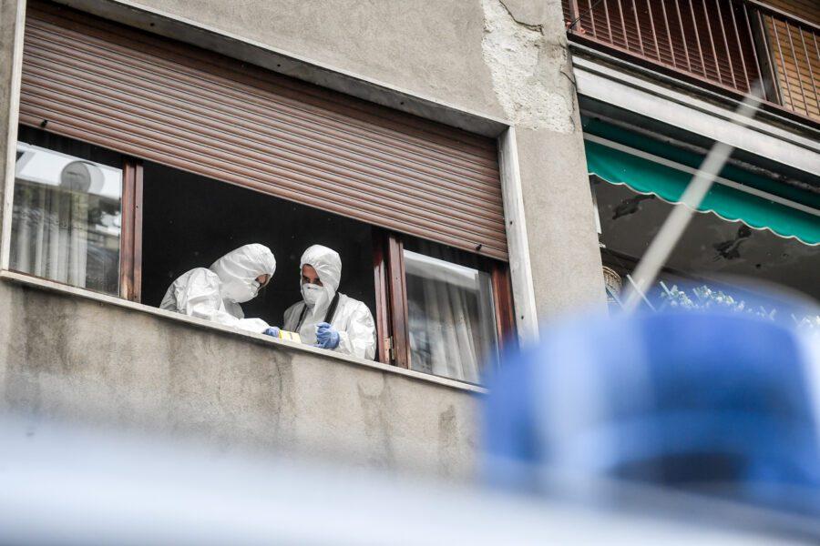 Silvia Romano, bottiglia di vetro lanciata contro finestra del palazzo in cui abita