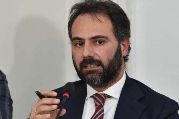 """Catello Maresca cerca la candidatura """"ma senza partiti"""""""
