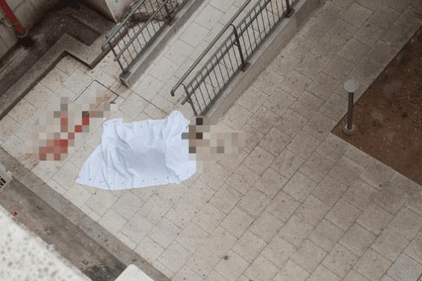 Tragedia in ospedale, uomo si lancia nel vuoto dopo incidente